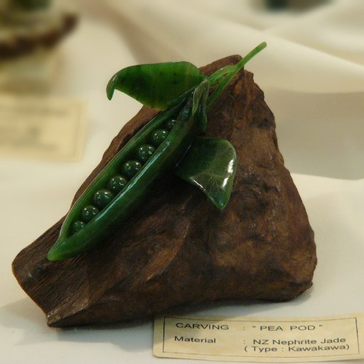 Greenstone carving - Pea Pod by Ron