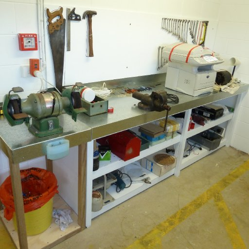 Engineering repair bench
